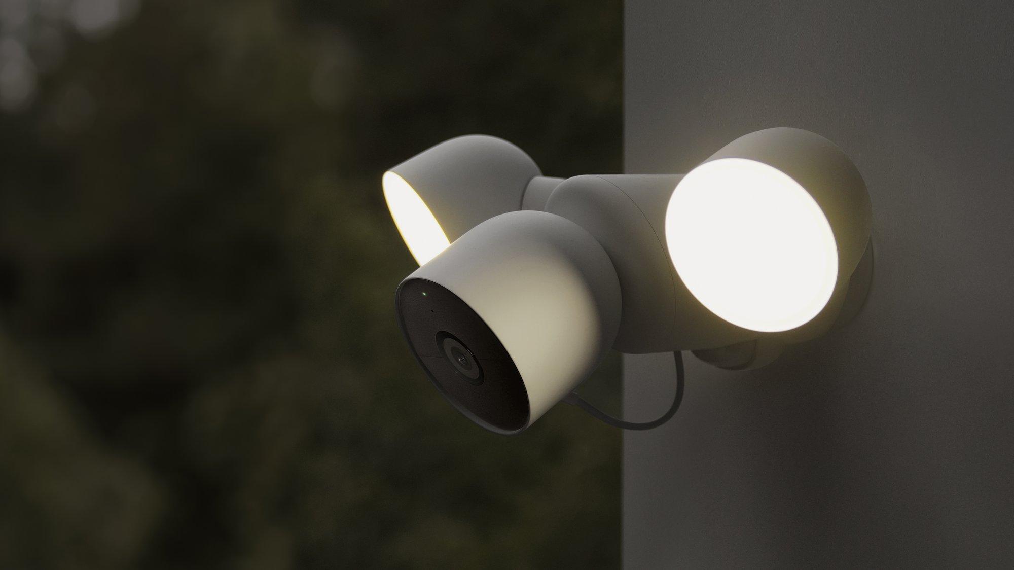 Nest Cam 2Nest Cam 2021 met Floodlight.021 met Floodlight.