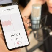 Dictafoon-app op iPhone tijdens opname.