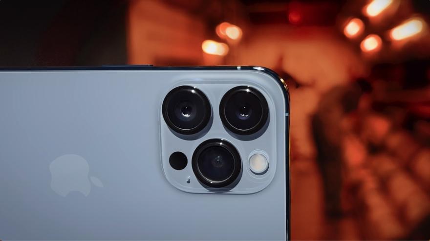 iPhone 13 Pro wit