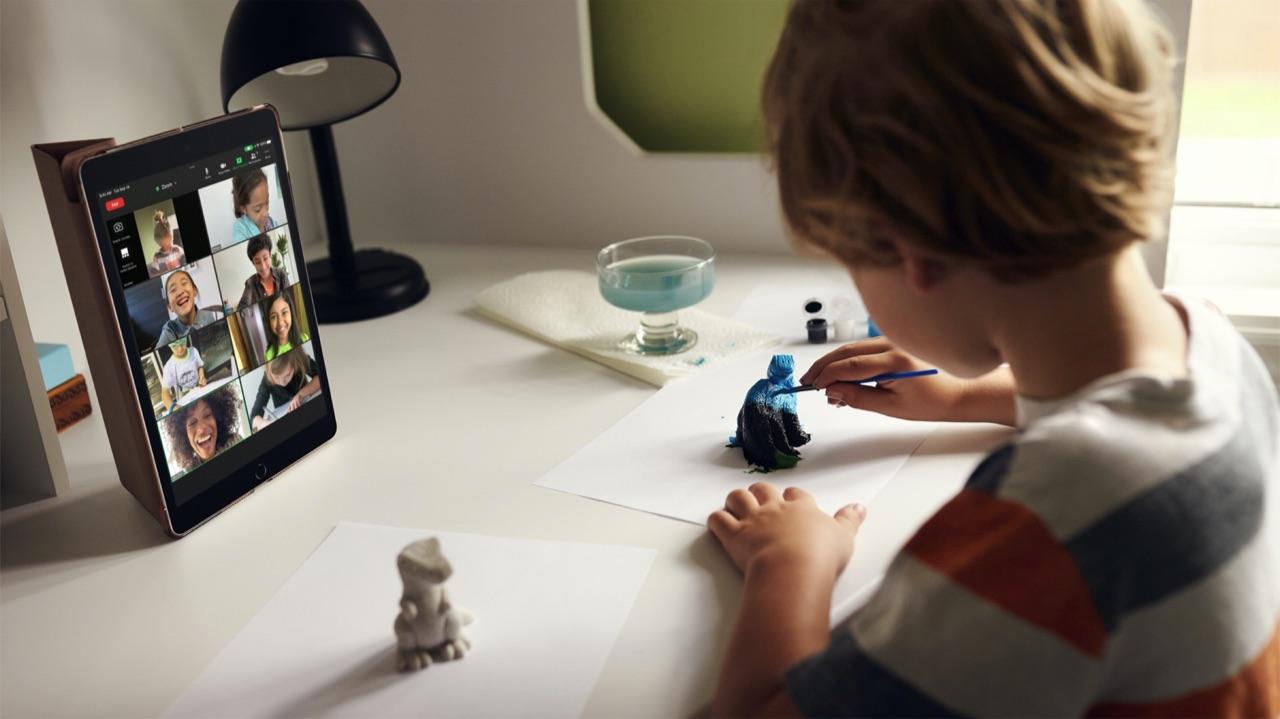 Kind met iPad 2021