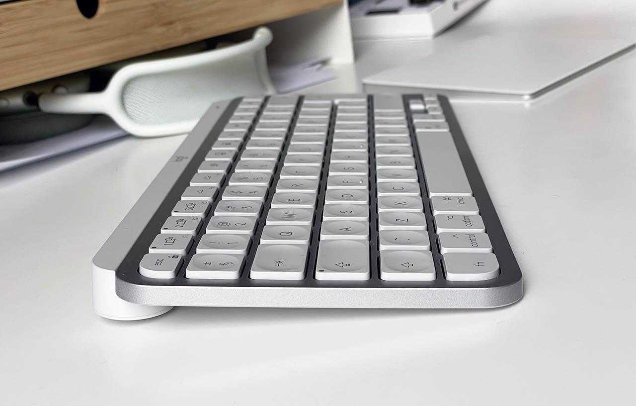 Logitech MX Keys Mini zijkant