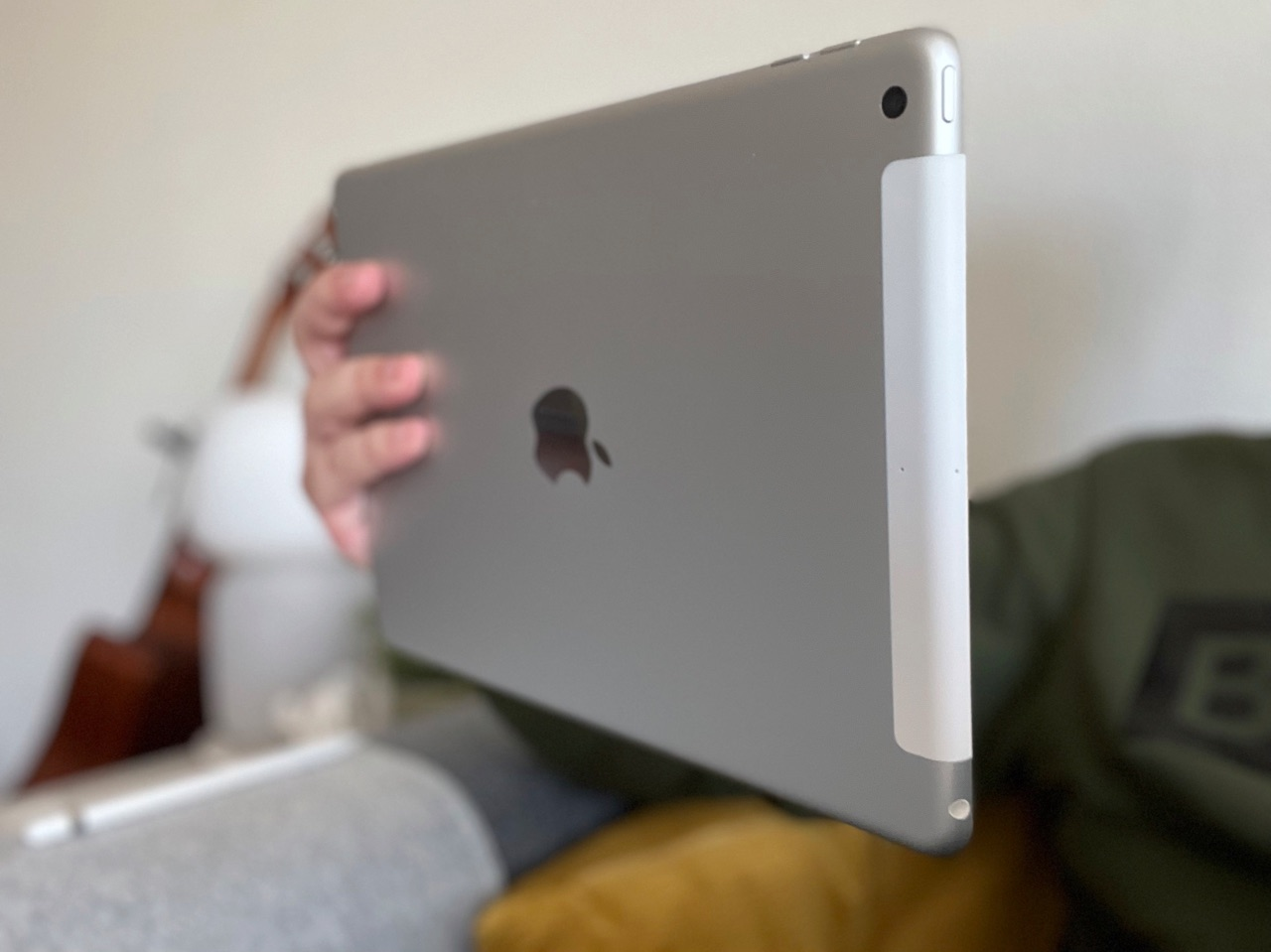 iPad 2021 review: achterkant horizontaal.