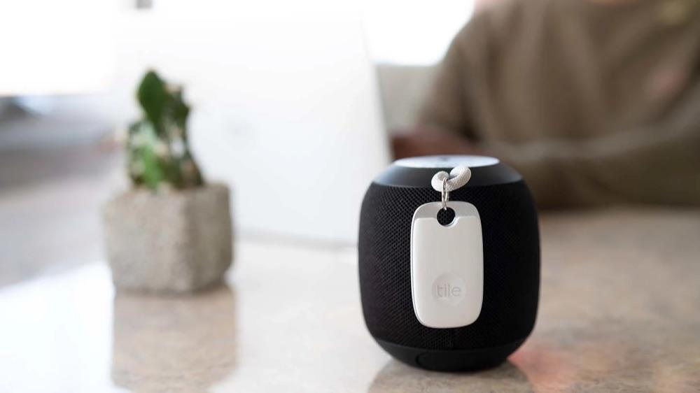Tile Pro 2021 aan een speaker.